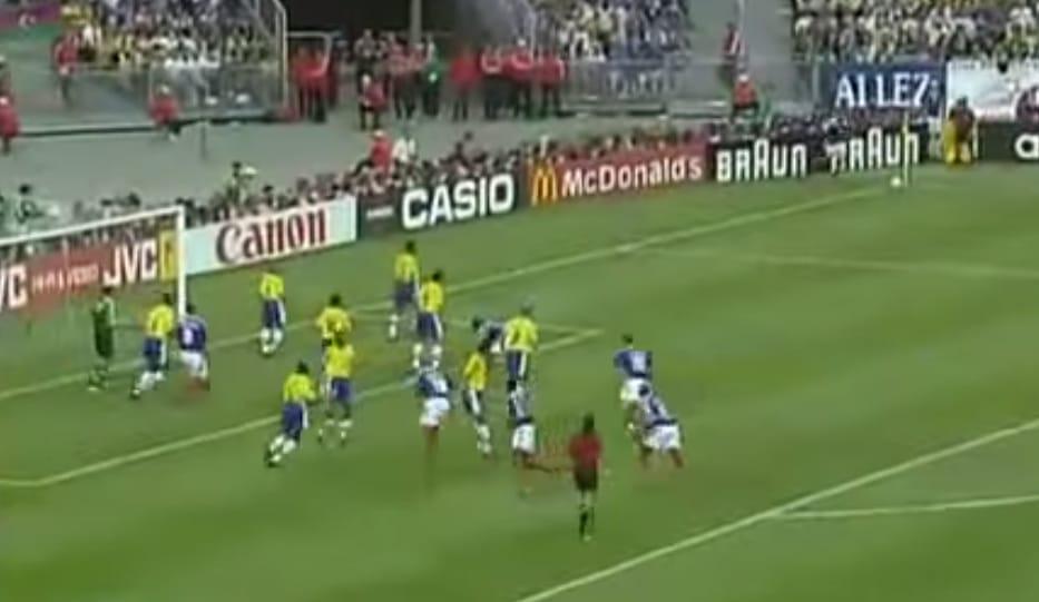 Klassikkovideo: Legendaarinen MM-finaali 1998: Zidane kaataa Ronaldon Brassit