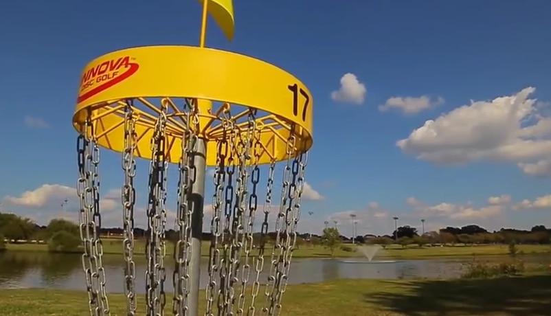 Video: Tämä on frisbeegolfia