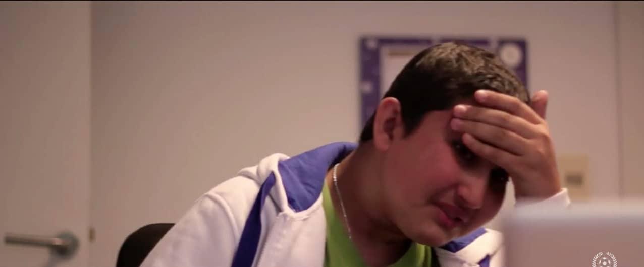 Video: Luis Suarez yllätti täysin syöpää sairastavan nuoren faninsa - poika liikuttui kyyneliin