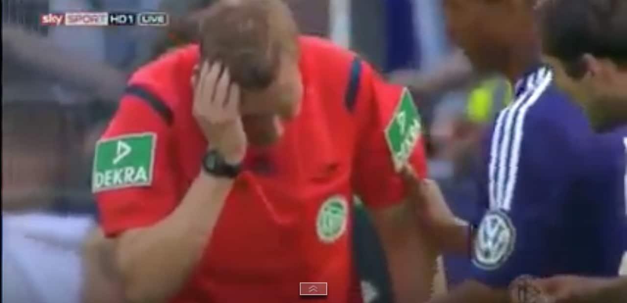 Saksa tuomari jalkapallo referee / Pallomeri.net