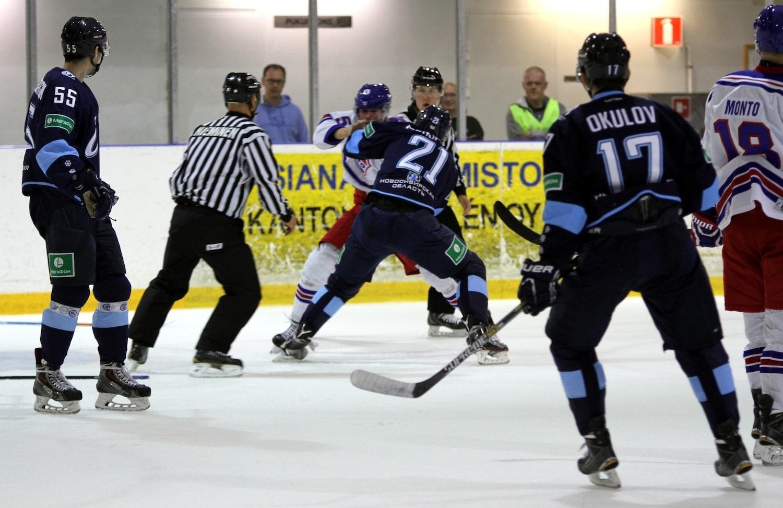 Video: Mestis ja KHL ottivat yhteen treenipelissä –hanskat tippuivat välittömästi