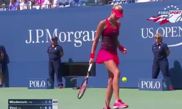 Kristina Mladenovic tennis football skills pallomeri.net