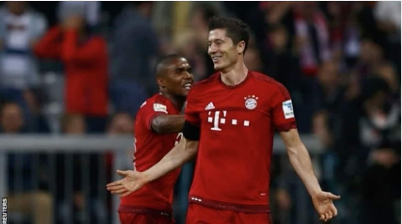 Robert Lewandowski jalkapallo Bayern Bundesliga / Pallomeri.net
