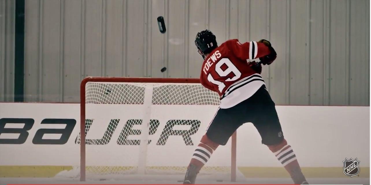 Jonathan Toews jääkiekko NHL / Pallomeri.net