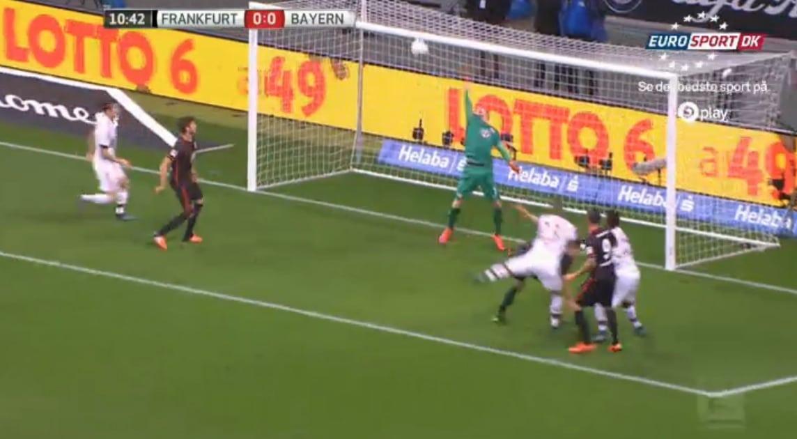 Video: Lukas Hradecky nollasi Bayern Münchenin