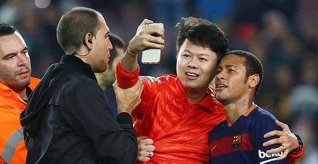 neymar selfie with fan pallomeri.net