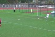Video: Belgialaispelaaja kusella maalin takana – joukkuekaverit tekevät samalla maalin