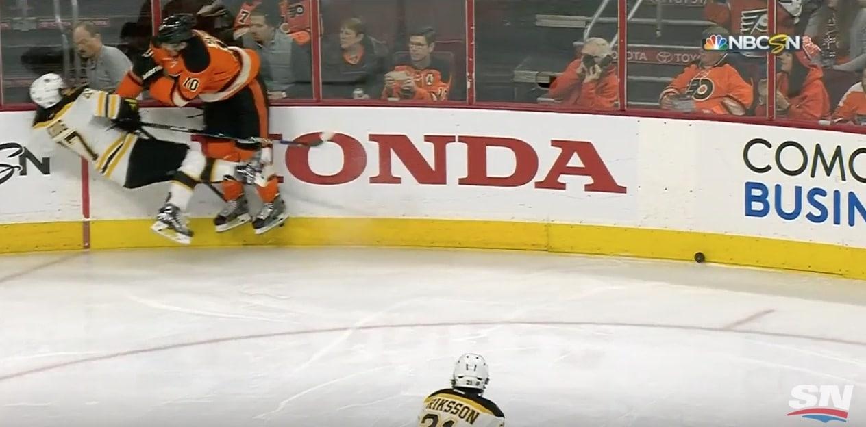 Video: Brayden Schenn painoi hurjan taklauksen – Boston-pakki lähti ilmojen teille