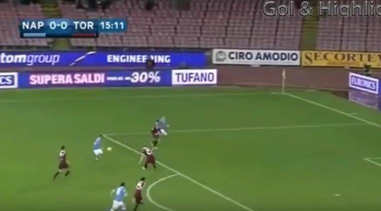 Video: Napolin Lorenzo Insignelta kaunotarmaali Serie A:ssa