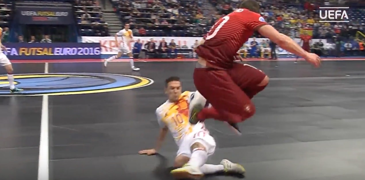Video: Ricardinho iski jälleen aivan maagisen osuman futsalin EM-kisoissa