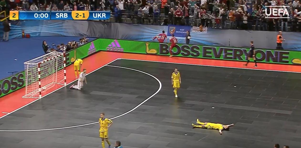 Video: Serbia osui viimeisellä sekunnilla kotikisoissa – eteni futsalin EM-kisoissa välieriin