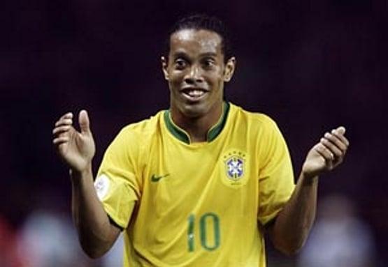 Video: Ronaldinho täysin ylivertainen Intian Futsal-liigassa – iski peräti viisi maalia