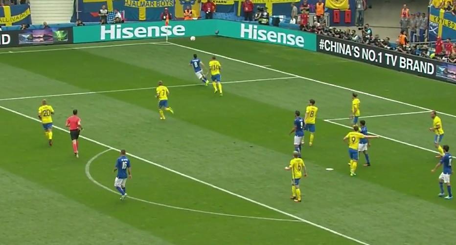Video: Ruotsi selvisi jalkapallon MM-kisoihin – Buffon romahti kyyneliin pelin jälkeisessä haastattelussa