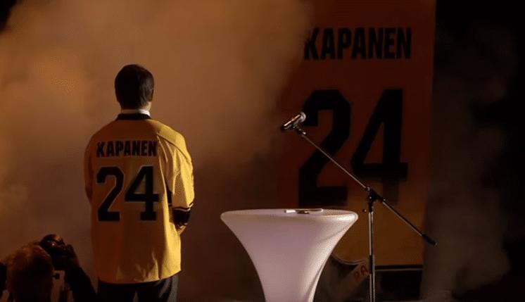 Sami Kapanen tänään 44 vuotta – tässä video, kun paita nousee kattoon