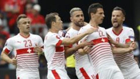 Video: Sveitsi kaatoi sitkeän Albanian toppari Schärin puskumaalilla
