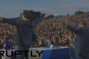 Klassikkovideo: Islannin jalkapallomaajoukkue palaa EM-kisoista kotiin kansallissankareina