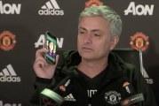 Video: Jose Mourinho hilpeänä lehdistötilaisuudessa – vastasi toimittajan puhelimeen