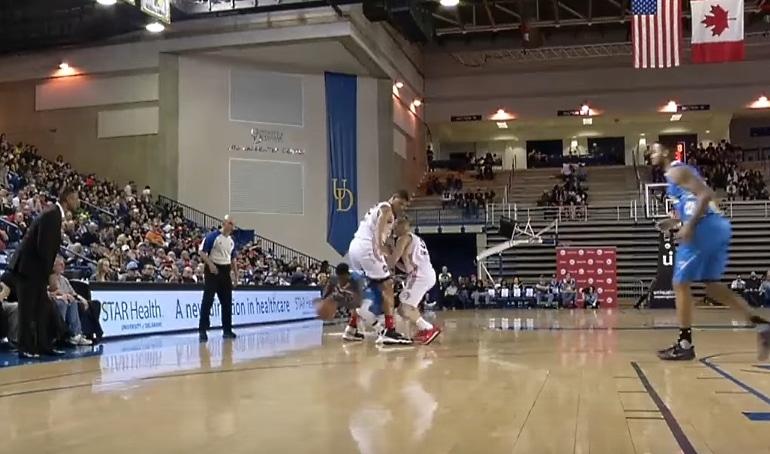 vastustajan haaroista Nate Robinson NBA D-League koripallo - pallomeri.net