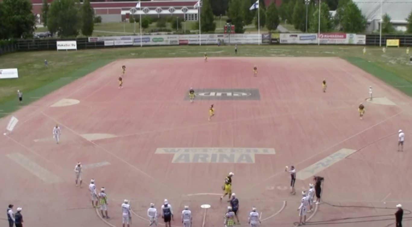 Klassikkovideo: PattU:n Topi Kosonen osoitti uskomatonta urheiluhenkeä loukkaantuneelle vastustajalle