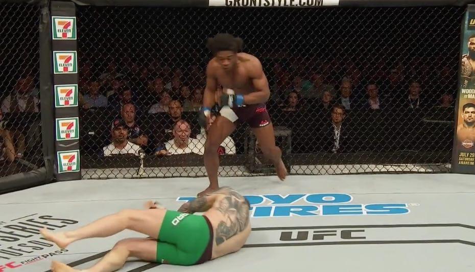 Video: UFC:ssä nähtiin todella erikoinen heittotyrmäys