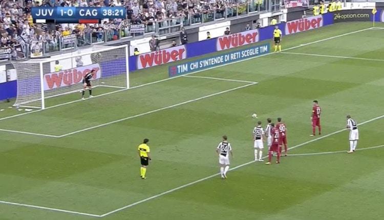 Gianluigi Buffon ohitti Francesco Tottin – torjui juhlapelissä myös rankkarin