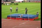 Klassikkovideo: Ivan Ukhov loikki tuhannen päissään korkeuskilpailussa