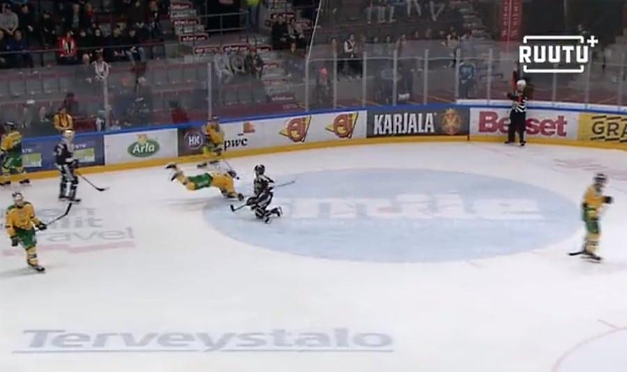 Video: Arto Laatikainen näytteli vastustajan kaatumisen - sai käytöskympin