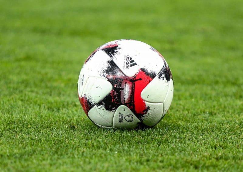 Huuhkajien kisahuumaa odotellaan vielä vuosi - UEFA siirsi EM-kisat kesälle 2021