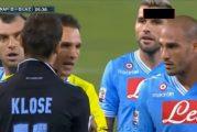 Klassikkovideo: Miroslav Klose tekee käsimaalin - pyytää erotuomaria hylkäämään osuman