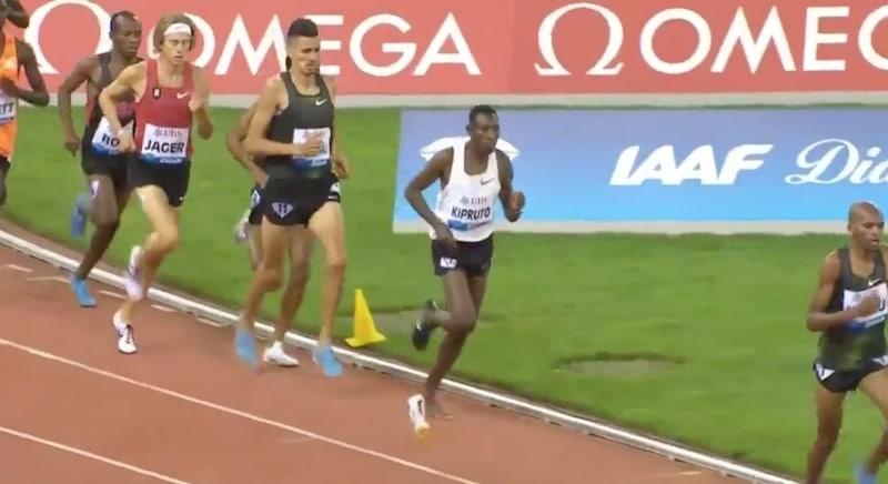 Video: Älytön suoritus! Kipruto juoksi voittoon Timanttiliigassa yhdellä kengällä