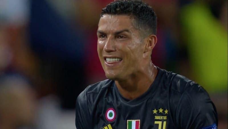 Juventus-vahdilta kova paljastus – Cristiano Ronaldo joutui ostamaan iMacit koko joukkueelle punaisen kortin jälkeen