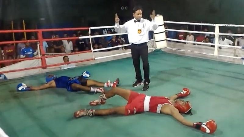 Klassikkovideo: Intiassa nähtiin uskomaton tuplatyrmäys – molemmat nyrkkeilijät tippuivat kanveesiin