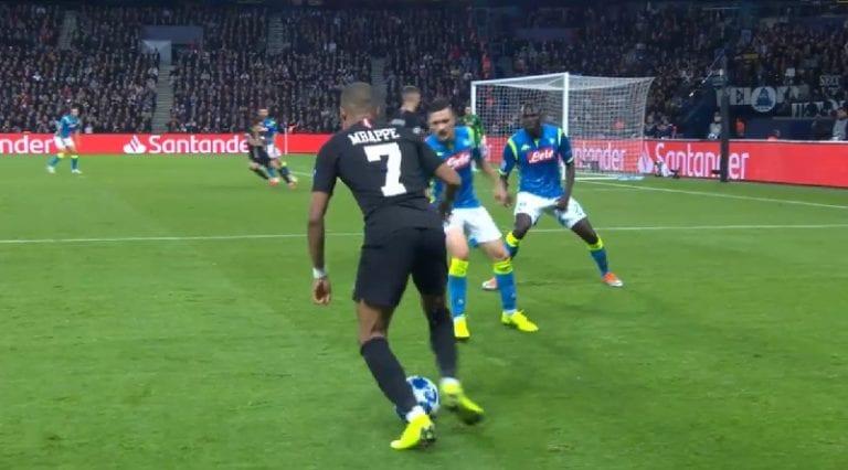 Video: Napoli-toppari keksi erikoisen tavan puolustaa Kylian Mbappea