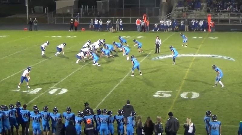 Video: Lukiomatsissa koominen tilanne – vaihtopelaaja juoksi estämään touchdownin