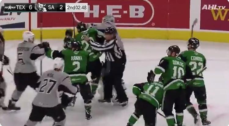 Video: AHL-veskari kilahti takaiskumaalista – kävi antamassa viikatetta