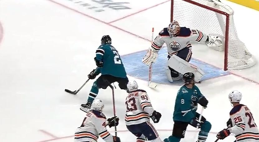 Video: Joonas Donskoi osui Oilersia vastaan ensimmäisellä peliminuutilla
