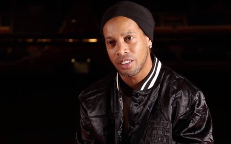 Vankilassa oleva Ronaldinho dominoi futsal-turnauksessa – iski tehot 5+6 ja voitti joukkueelleen palkinnoksi sian