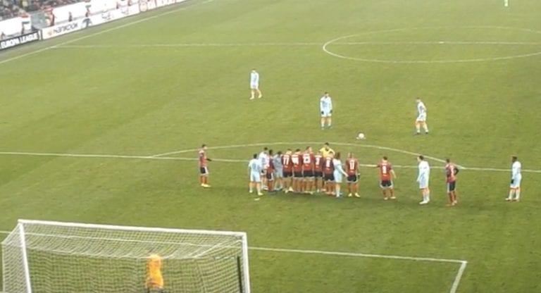 Video: FIFA-kikka epäonnistui! Olivier Giroud täräytti vaparin yli tolppamiehen
