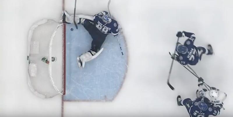 Video: Andrei Vasilevski otti täysin mielipuolisen torjunnan NHL:ssä