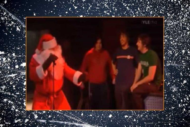 Video: Ville Nieminen & legendaarinen Soihdut Sammuu -tulkinta joulupukin asussa