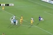 Video: Aasian mestaruuskisoissa hirveä tuomarifarssi – Syyria sai rankkarin oman pelaajan kampituksesta