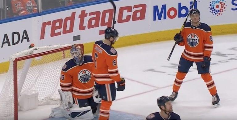 Video: Henrik Borgström osui äärimmäisen onnekkaalla tavalla NHL:ssä