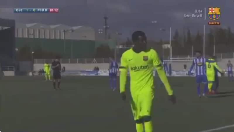 Video: Barca-puolustaja löi katsojaa - sai neljän ottelun pelikiellon