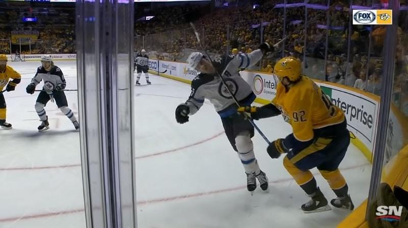 Video: Ryan Johansen löi Mark Scheifeleä viikatteella päähän - kakku napsahti