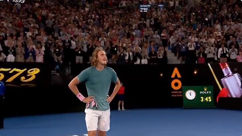 Autraliassa jymy-yllätys: Stefanos Tsitsipas kaatoi Roger Federerin