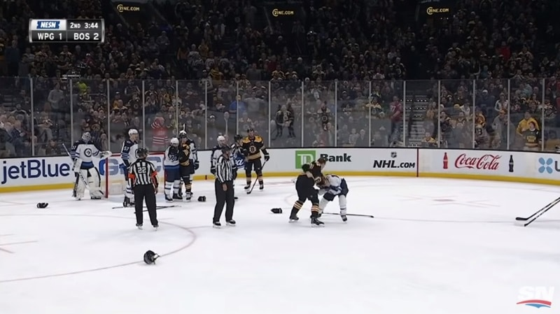 Video: Trent Frederic sai NHL-debyyttinsä - myllytti Brandon Tanevin täysin jäänrakoon