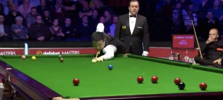 Video: Snookerin The Mastersissa nähtiin todellinen herrasmiesteko – Ding Junhui kertoi itse tuomarille virheestään