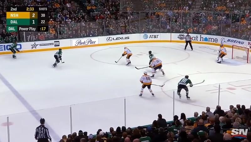 Video: Esa Lindell sivalsi upean laukauksen Pekka Rinteen selän taakse