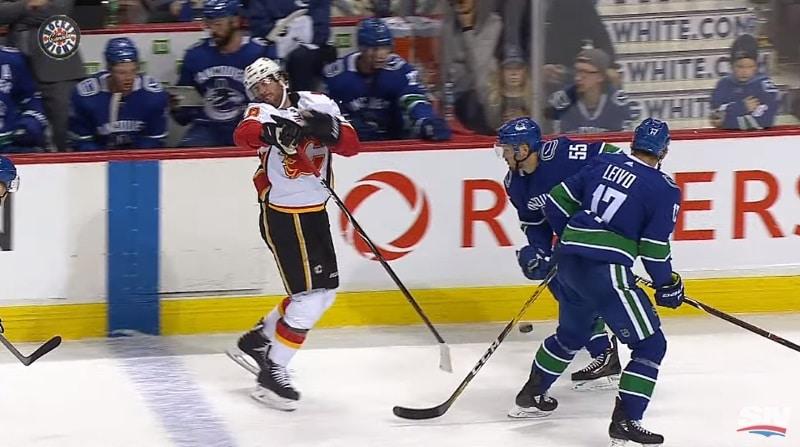 Video: NHL:ssä hurja tilanne – James Nealin hampaat lentelivät kuin legopalikat