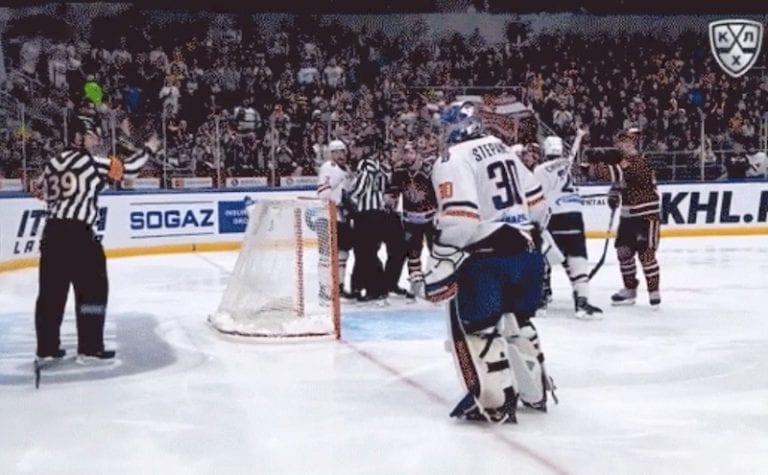 Video: KHL-veskarille viiden ottelun pelikielto – hermostui totaalisesti tuomarille